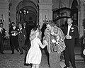 Koningin Juliana en Prins Bernhard aanwezig bij diner in Amstelhotel t.g.v. 150-, Bestanddeelnr 916-2524.jpg