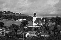 Kostol Ducha Svätého a Spišský hrad Žehra.jpg