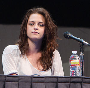 English: Kristen Stewart at the Comic-Con 2011.