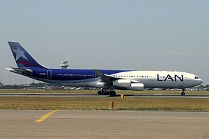 LAN Airlines (CC-CQE) Airbus A340-300 at Sydney Airport.jpg