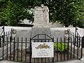 La Malmaison (Aisne) monument aux morts.JPG
