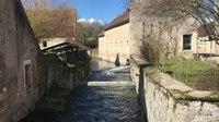 File:La rivière Druyes et la rue du capitaine Coignet à Druyes-les-Belles-Fontaines.webm