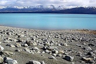 Lake Pukaki - Image: Lake Pukaki NZ 2005
