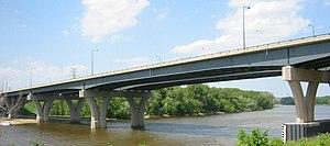 Interstate 35E (Minnesota) - The new Lexington Bridge, completed in 2004