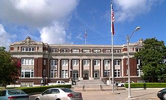 Limestone County, Texas - Image: Limestone courthouse tx 2010