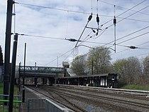 Longbridge Station - footbridge (6921865220).jpg