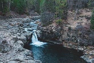 McCloud River - Image: Lower Mc Cloud River Falls