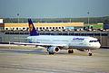 Lufthansa Airbus A321-131; D-AIRH@FRA;10.10.1995 (6083591259).jpg
