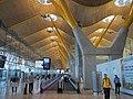 Madrid Barajas (37907447924).jpg