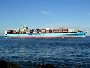 Maersk Kolkata p05 approaching Port of Rotterdam, Holland 21-Feb-2005.jpg