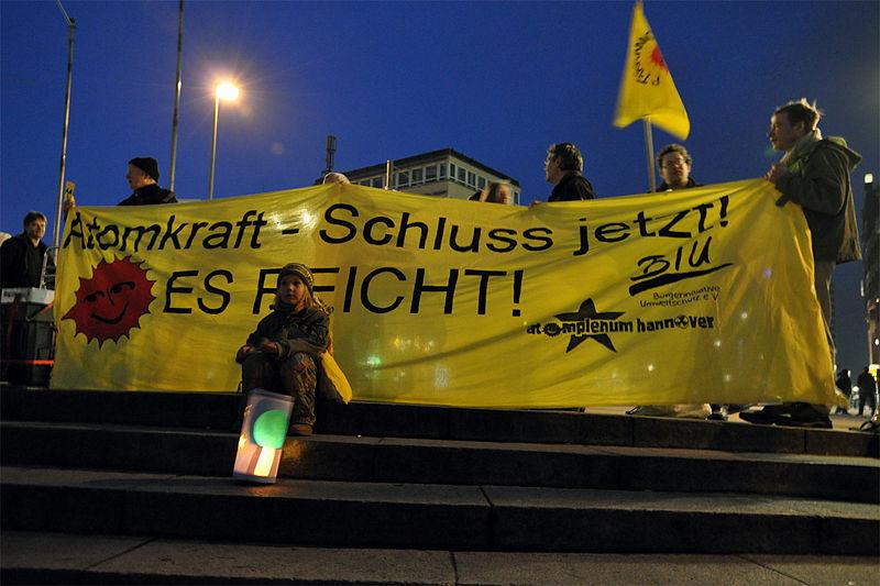 Mahnwache gegen Atomkraft Hannover 2011 (7)
