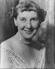 https://upload.wikimedia.org/wikipedia/commons/thumb/a/ac/Mamie_Eisenhower.jpg/180px-Mamie_Eisenhower.jpg
