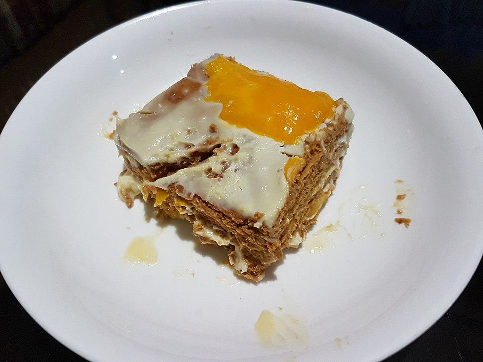Mango float, a Filipino icebox cake version of Crema de Fruta 01