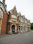 Mansion (21402083098).jpg