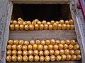 Mazarocas de millo apiñocadas no hórreo, Boiro.jpg