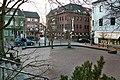 Meckenheim, Platz vor der Kirche St. Johannes der Täufer.jpg