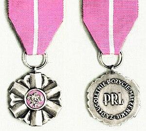Medal for Long Marital Life - Image: Medal za Długoletnie Pożycie Małżeńskie