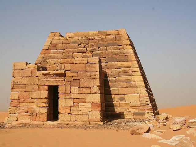 Las pirámides de Meroe. Sudán