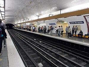 Gare du Nord (Paris Métro) - Image: Metro de Paris Ligne 5 Gare du Nord 01