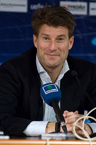 Michael Laudrup - Laudrup at a Champions League press conference in 2008