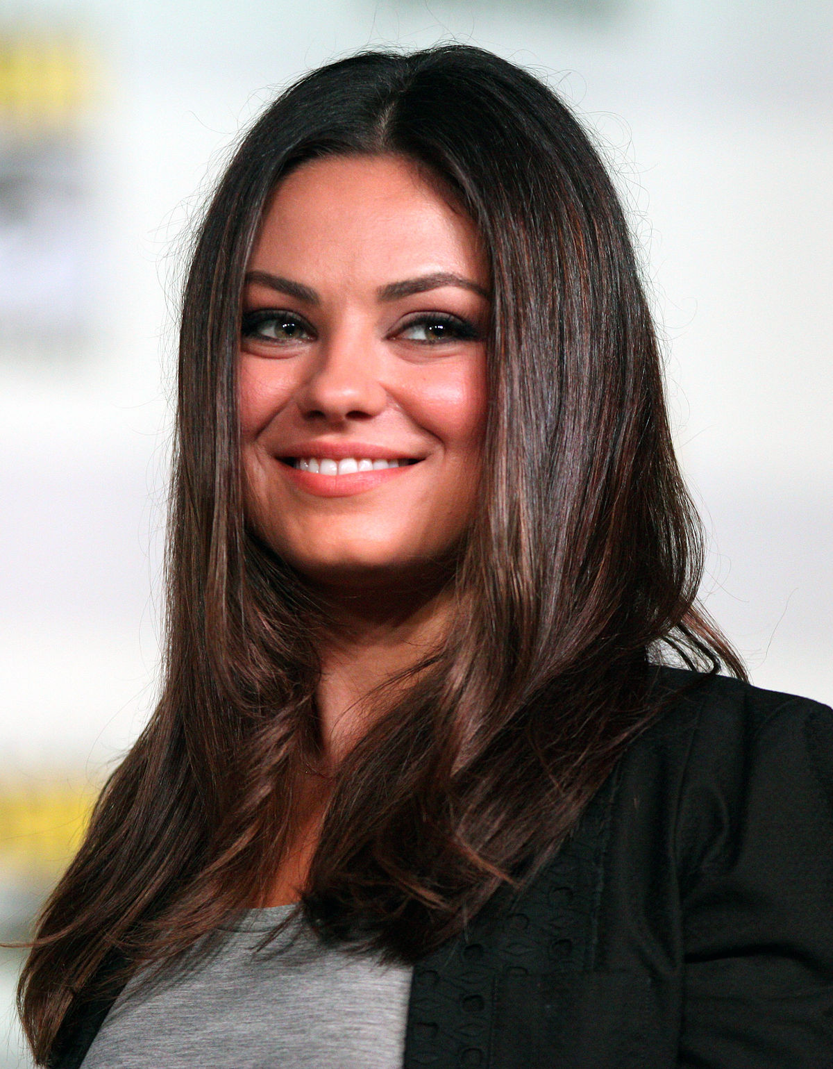 mila kunis wikip dia. Black Bedroom Furniture Sets. Home Design Ideas