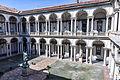 Milan - Pinacothèque de Brera - Cour intérieure.jpg