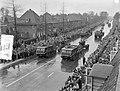 Militair defile op Koninginnedag te Enschede, Bestanddeelnr 907-7294.jpg