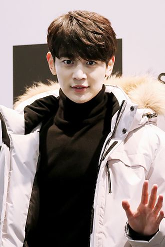 "Choi Min-ho (entertainer) - Image: Minho at ""HEAD Skiwear Project X"" store opening event in November 2015 01"