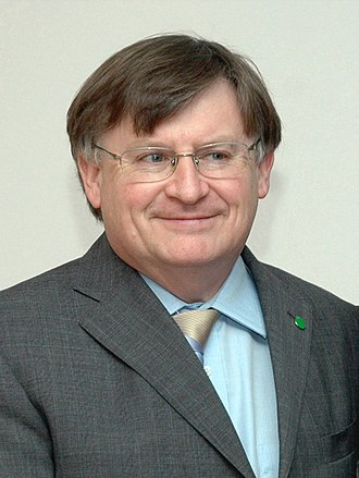 Minister of State for Trade, UK, Mr. Ian McCartney, in New Delhi on November 27, 2006 (cropped).jpg