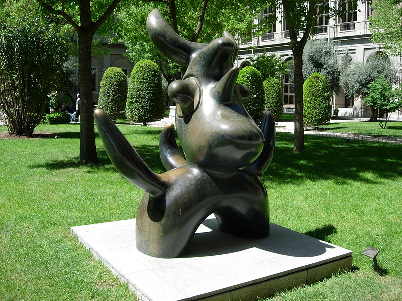 Archivo:Miro's sculpture, MADRID.jpg