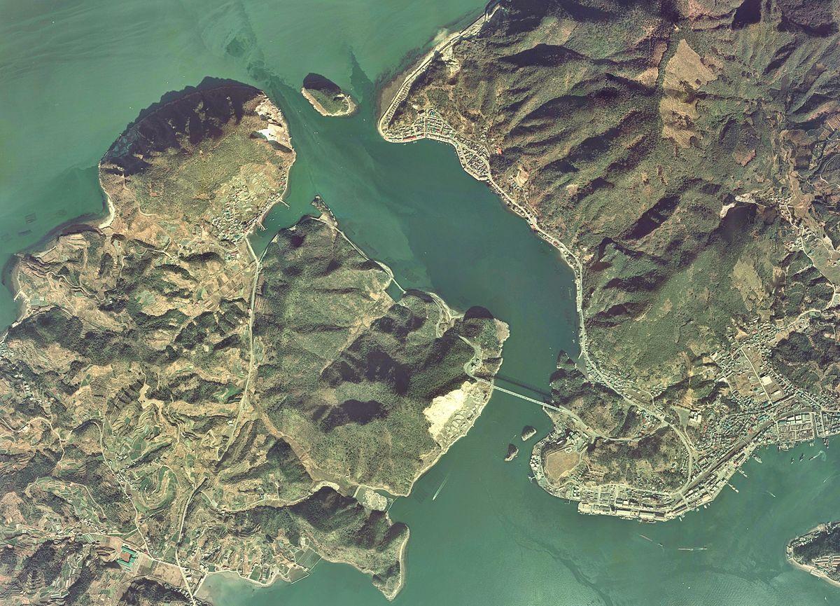 Misumi Straits Aerial photograph.1974.jpg