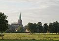 Morgendlicher Blick über die Wiesen des Klosterhofes auf St.jpg