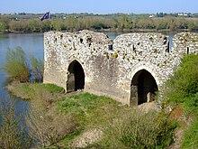 Champtoceaux wikipedia - Le port du moulin champtoceaux ...