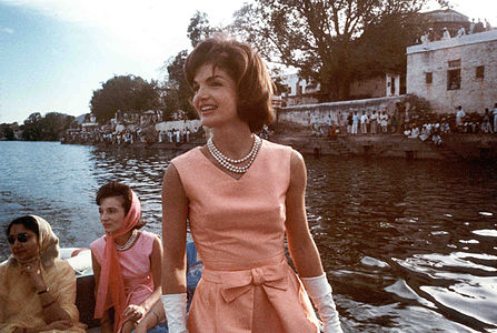 Mrs. Kennedy's trip to India. Udaipur, Rajasthan, cruise on Lake Pichola.jpg