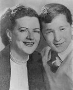 Myra Soble with son 1950.jpg