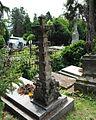 Náhrobok s fiálou, cintorín sv. Rozálie Košice, Slovensko.jpg