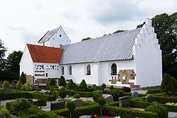 Nødager Kirke Total fra øst.jpg