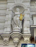 NEUER_MARKET-VIENNA-Dr._Murali_Mohan_Gurram_(7).jpg