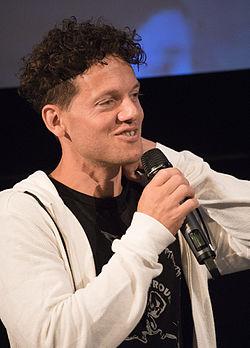 Nassim Al Fakir under presentationen av filmen Lasse-Majas detektivbyrå – Stella Nostra i Filmhuset i Stockholm 2015