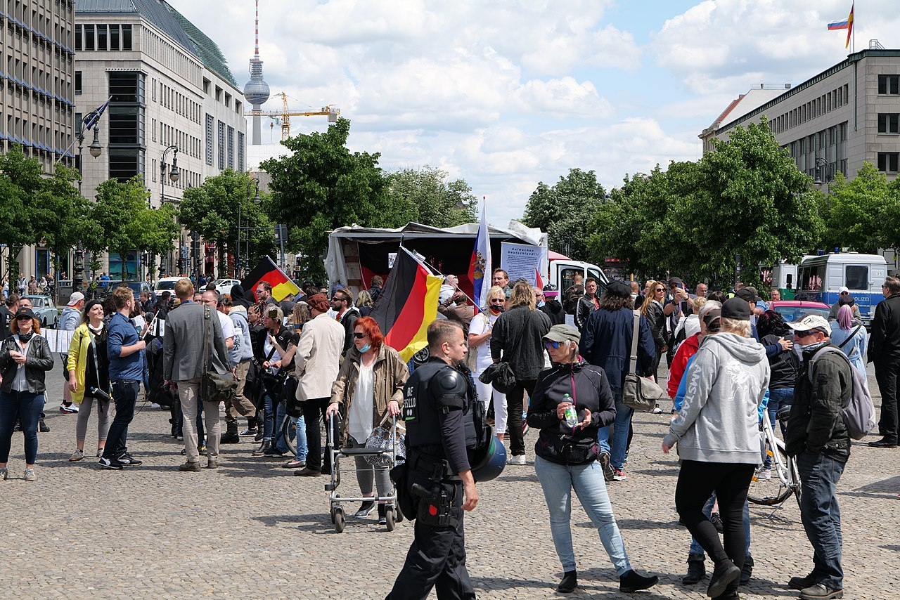 Nationalist protest Berlin 2020-06-06 01.jpg