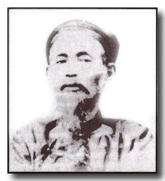 Ngô Đình Khả - Photograph of Ngô Dinh Kha in traditional Mandarin robes