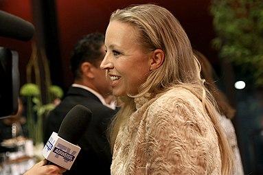 Nina Proll Nestroy 2013 Interview.jpg