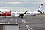 Norwegian (Edvard Munch livery), LN-NOF, Boeing 737-86N (15834097414) (2).jpg