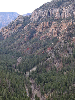 river gorge located in northern Arizona between the cities of Flagstaff and Sedona