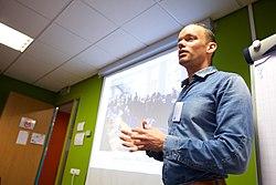 Olaf Janssen, Koninklijke Bibliotheek, bij de Wikimedia Nederland Conferentie 2013 (10643034943).jpg