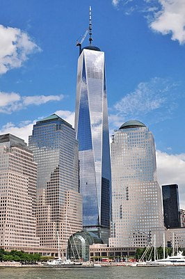 Het One World Trade Center in juli 2013, gezien vanaf de Hudson
