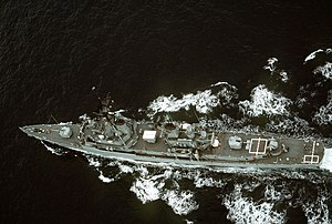 Overhead view of USS Buchanan (DDG-14) underway in the Pacific Ocean, in 1990 (6467508)