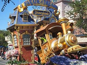 Walt Disney's Parade of Dreams - Image: Parade of Dreams Lead float
