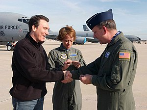 Patrick Page - Patrick Page (left), with his wife Paige Davis, and Brigadier General William W. Hodges at MacDill Air Force Base in 2002