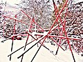 Pedro Meier Skulptur »Mikado in ROT« im Schnee, 2014. Skulpturengarten, Atelier Gerhard Meier-Weg, Niederbipp. Foto © Pedro Meier Multimedia Artist.jpg